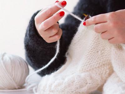 Apprendre à tricoter un bonnet avec les conseils de nos experts tricot